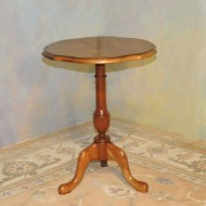 A008 New Queen Anne style chairside table