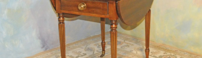 A013 Vintage Pembroke drop leaf end table