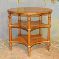 A040 New Round Table – Nice three level in knotty pine, country style, antique harvest finish